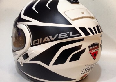 "SHOEI NEOTEC ""Diavel"""